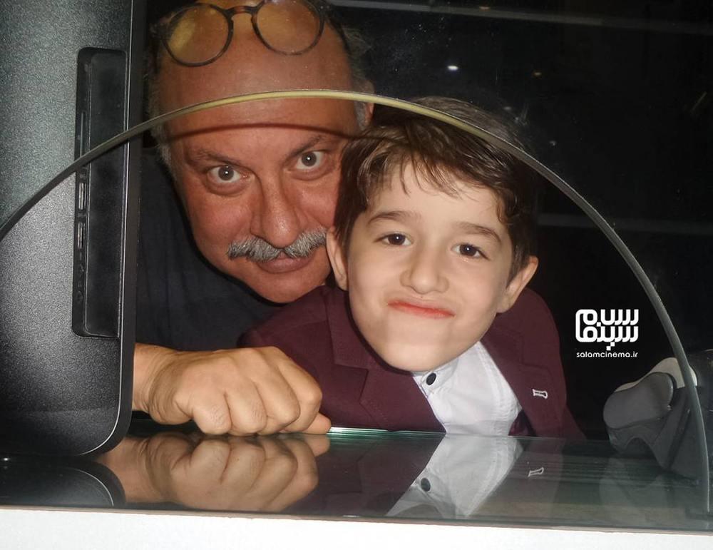 حسام رحیمی منش و بابک کریمی در اکران فیلم «مرگ ماهی» در پردیس سینمایی آزادی