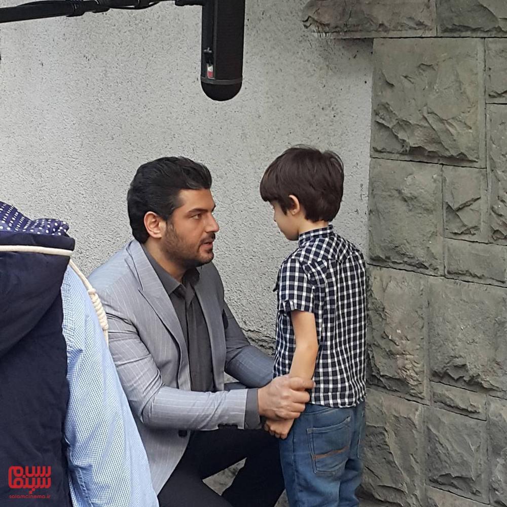 سام درخشانی و حسام رحیمی منش در پشت صحنه سریال «هشت و نیم دقیقه»