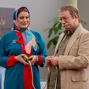 آتیلا پسیانی و شبنم مقدمی در سریال «مردم معمولی»