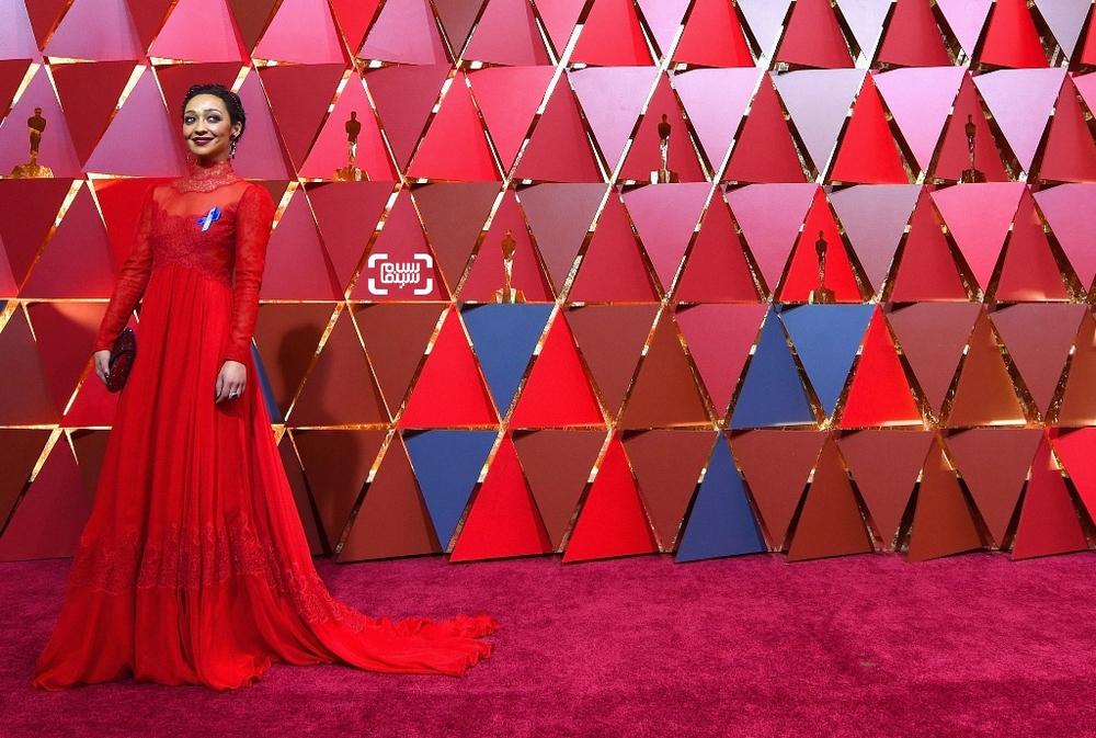راث نگا نامزد بهترین بازیگر زن در فرش قرمز اسکار2017