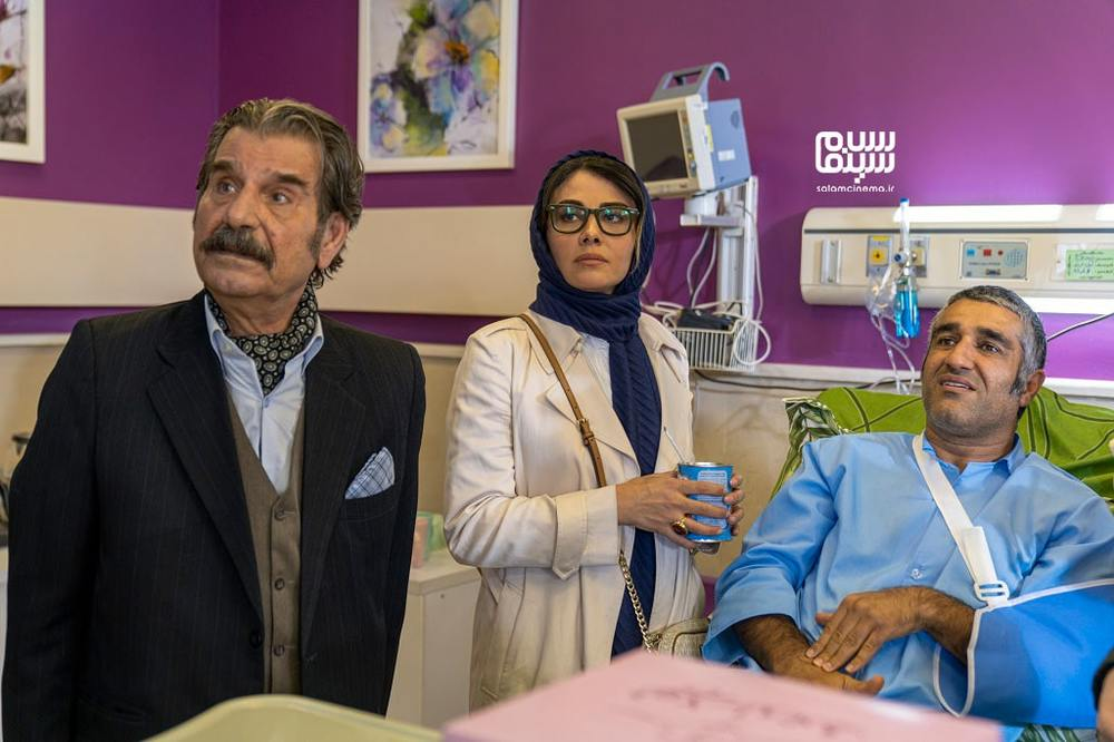 پژمان جمشیدی، الهام ایمانی و عزت اله مهرآوران در قسمت ۶ سریال «خوب بد جلف : رادیواکتیو»