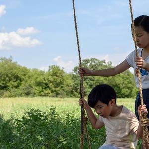 آلن اس کیم و نوئل چو در فیلم سینمایی میناری (Minari)