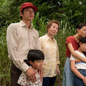 استیون ین، یون یو جونگ،  آلن اس کیم، هان یه ری و نوئل چو در فیلم خارجی میناری (Minari)