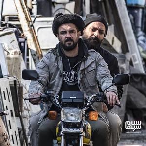 مهدی کوشکی و پیمان مقدمی در فیلم «حبس مجرد»