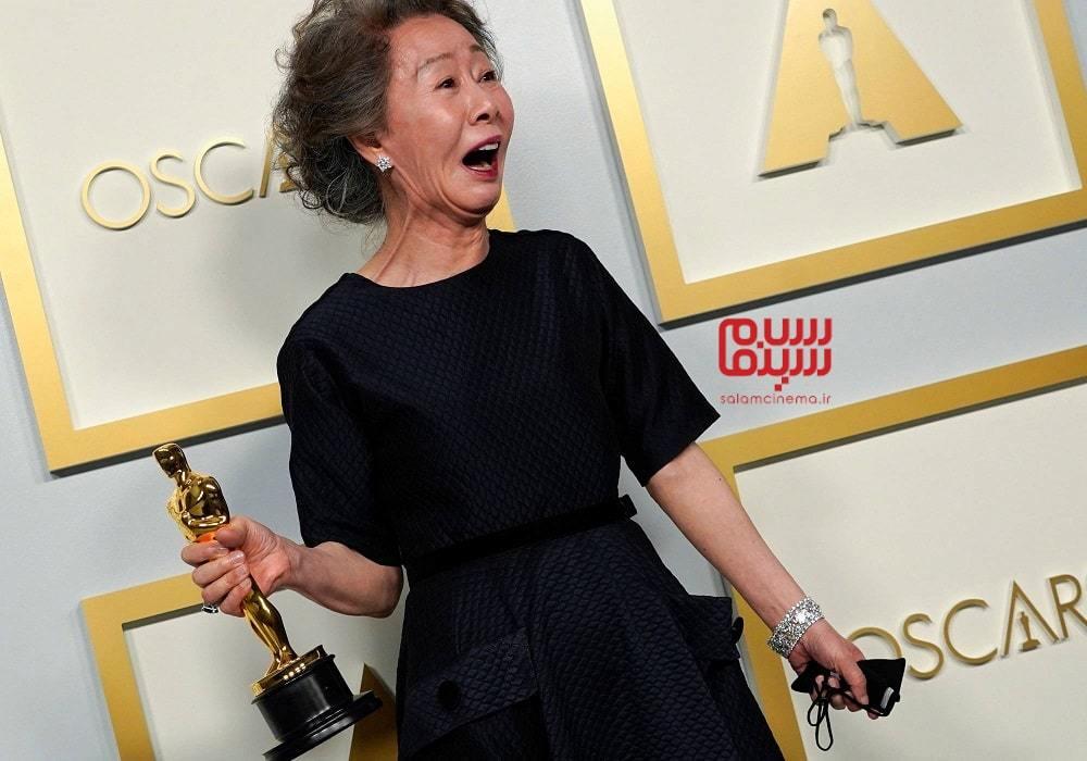 یون یو جونگ برنده اسکار 2021 بهترین بازیگر نقش مکمل زن برای فیلم سینمایی میناری (Minari)