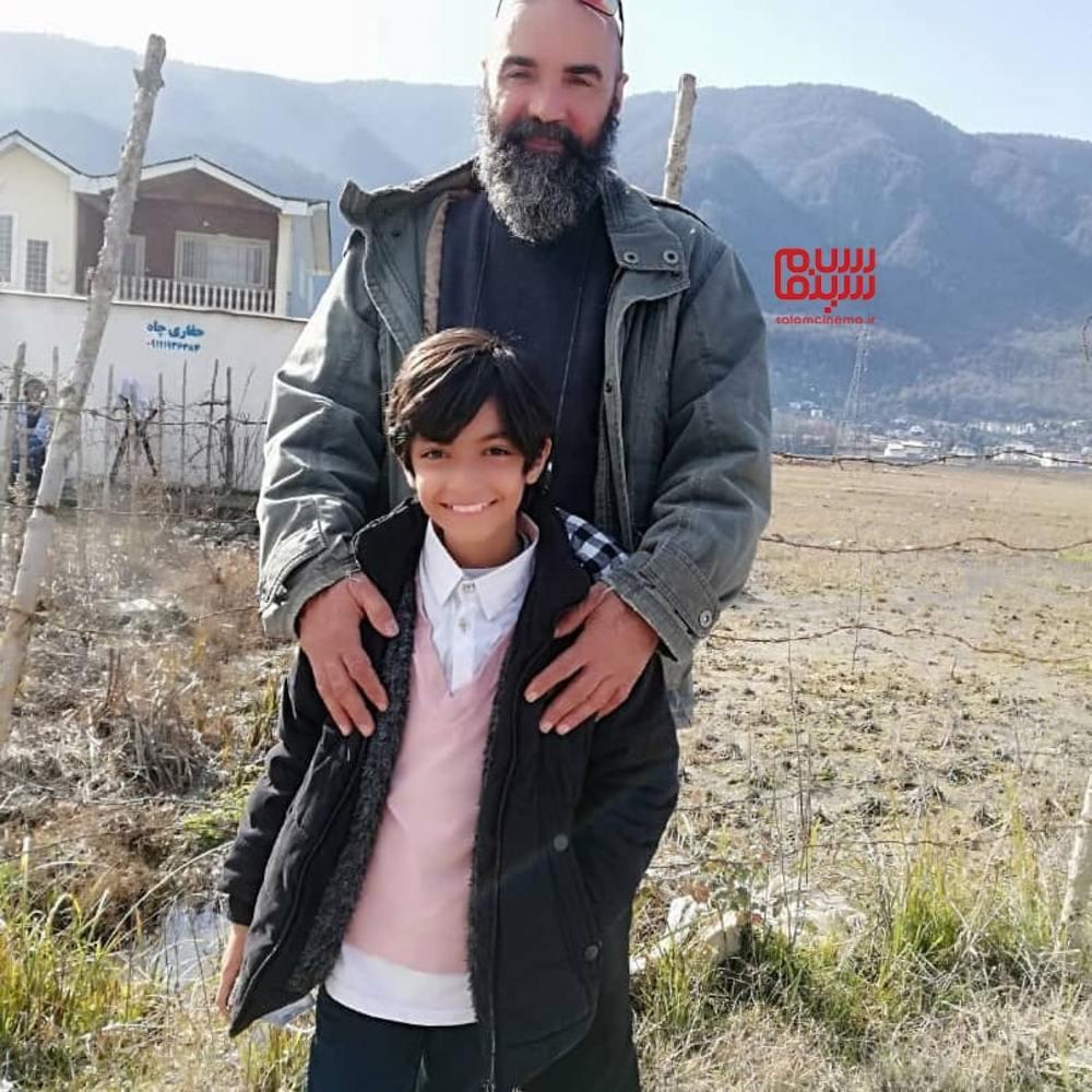 دانیال جعفری و مهران مهام در پشت صحنه سریال «بوتیمار»