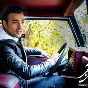 سامان صفاری در سریال «روزهای آبی»