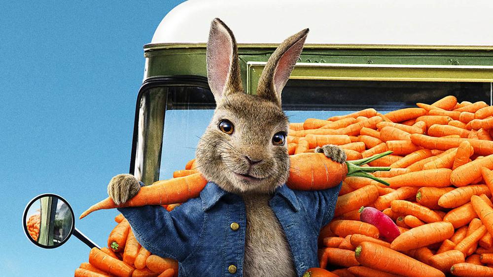 جیمز کوردن در نمایی از فیلم «پیتر خرگوشه 2: فراری» (Peter Rabbit 2: The Runaway)