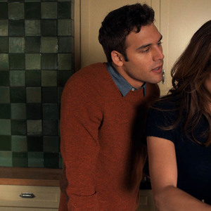 رایان گوزمن و جنیفر لوپز در نمایی از فیلم سینمایی «پسر همسایه» (The Boy Next Door)