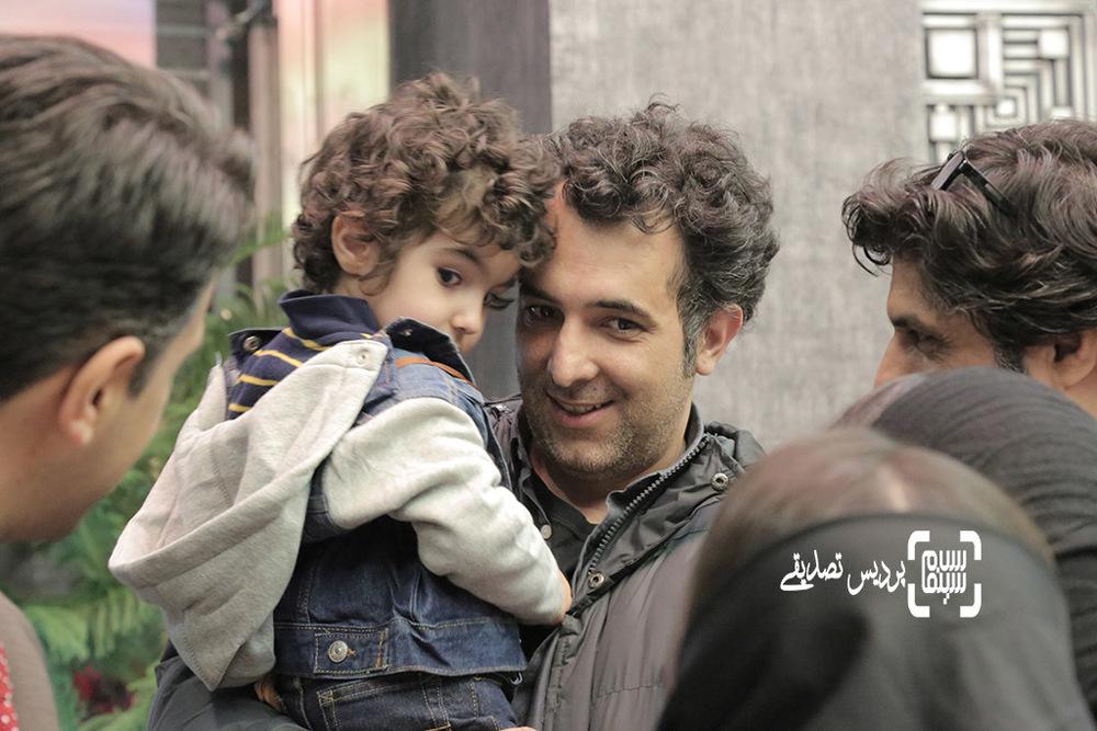 هاتف علیمردانی و پسرش در اکران خصوصی فیلم «آباجان»