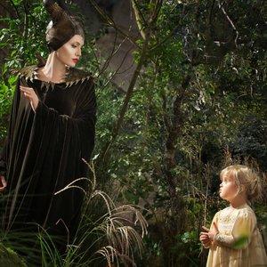 آنجلینا جولی و ویوین جولی پیت در فیلم «مالیفیسنت»(Maleficent)