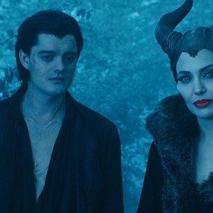 آنجلینا جولی و سم رایلی در فیلم «مالیفیسنت»(Maleficent)
