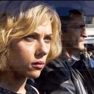 اسکارلت جوهانسون و عمرو واکد در فیلم «لوسی»(Lucy)