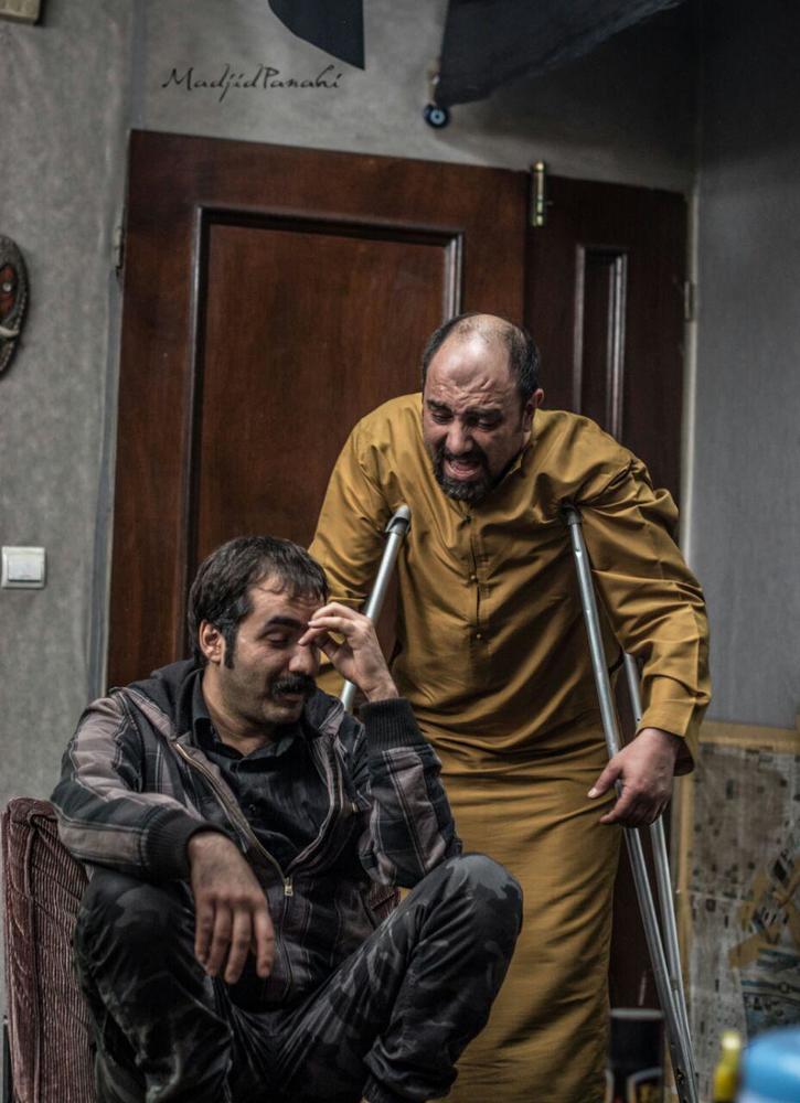 سجاد افشاریان و برزو ارجمند در فیلم سینمایی «مفت آباد»