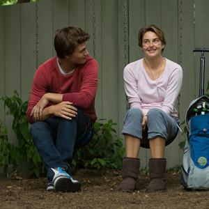 شیلین وودلی و انسل الگورت در فیلم «بخت پریشان ما»