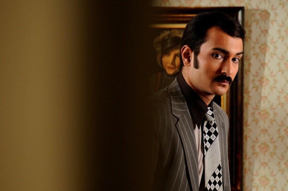 مرتضي اسماعيل کاشي در نمایی از فیلم ارغوان