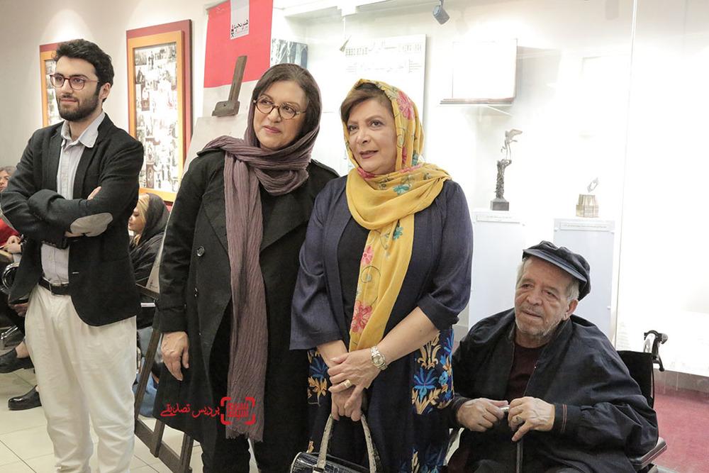 مهوش وقاری و همسرش محسن قاضی مرادی در کنار رویا تیموریان و امین اسفندیار در اکران خصوصی فیلم «مفت آباد»
