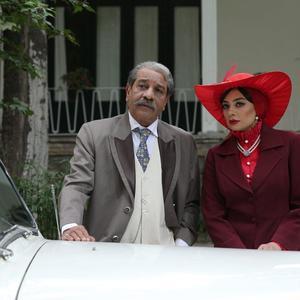 یکتا ناصر و داریوش فرهنگ در فیلم «آشوب»