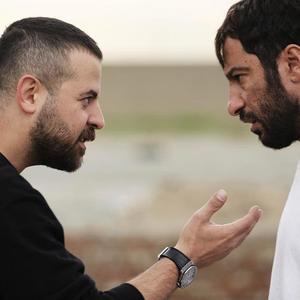 هومن سیدی و نوید محمدزاده در پشت صحنه فیلم «مغزهای کوچک زنگ زده»
