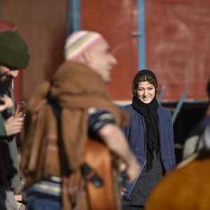 روشنک گرامی در پشت صحنه فیلم «بی سایه (یک کامیون غروب)»