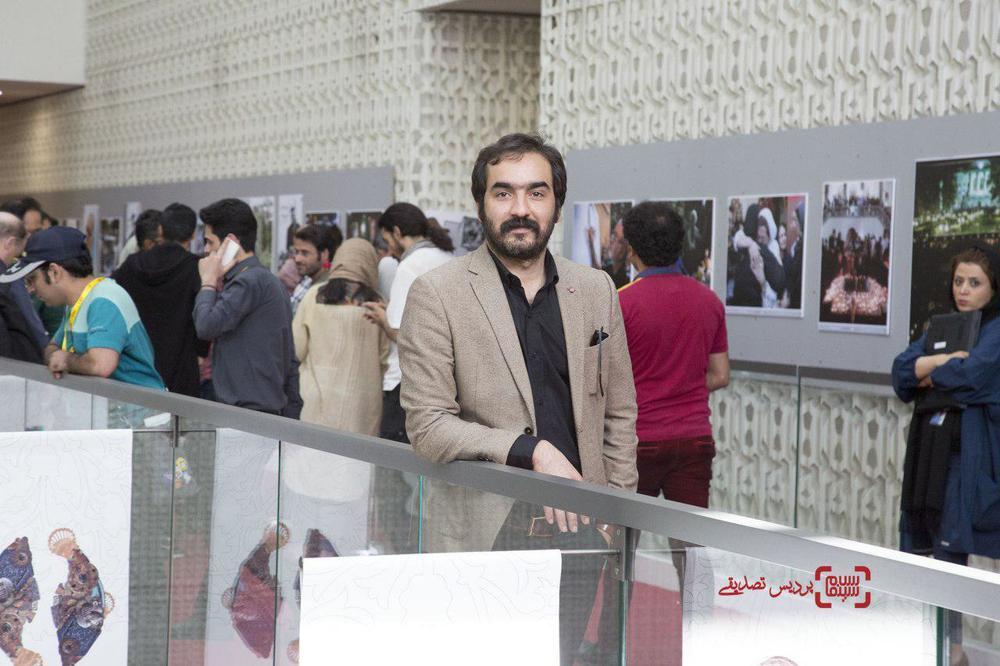 سجاد افشاریان در اکران فیلم «بی سایه (یک کامیون غروب)» در جشنواره بین المللی فیلم فجر