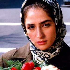 عسل بدیعی در فیلم «هفت پرده»