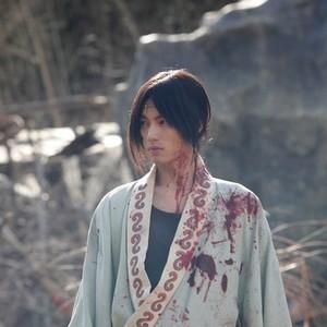 سوتا فوکوشی در نمایی از فیلم «تیغه جاودانه»(Blade of the Immortal)