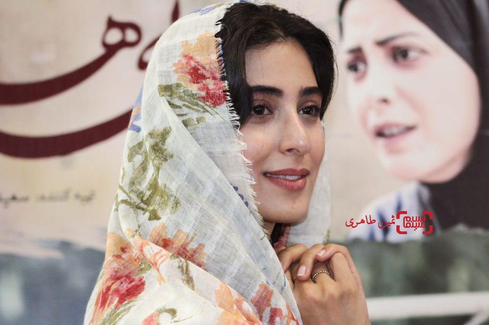 آناهیتا افشار در اکران مردمی «ویلایی ها» در سینما استقلال
