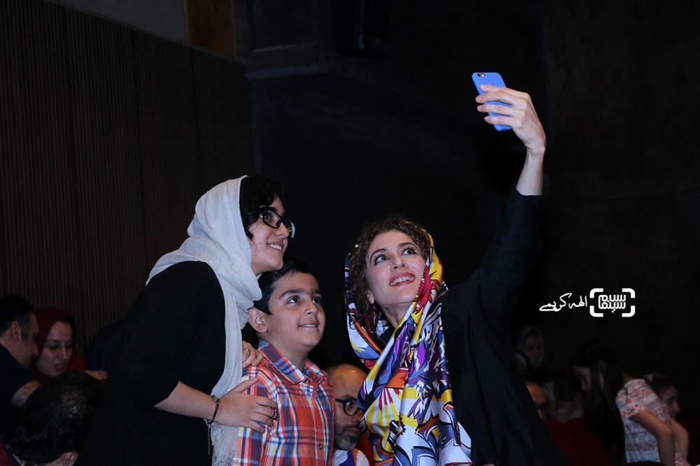 ویشکا آسایش در اکران «نهنگ عنبر2; سلکشن رویا» در سینما مگامال