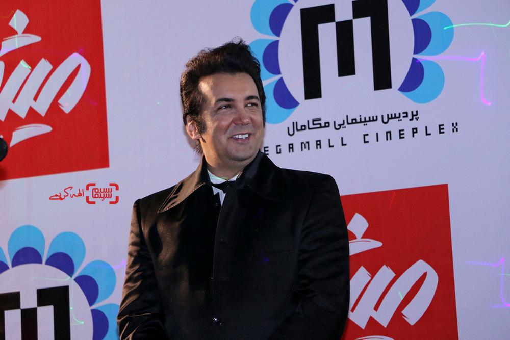 حسام نواب صفوی در اکران مردمی فیلم «نهنگ عنبر2; سلکشن رویا» در سینما مگامال