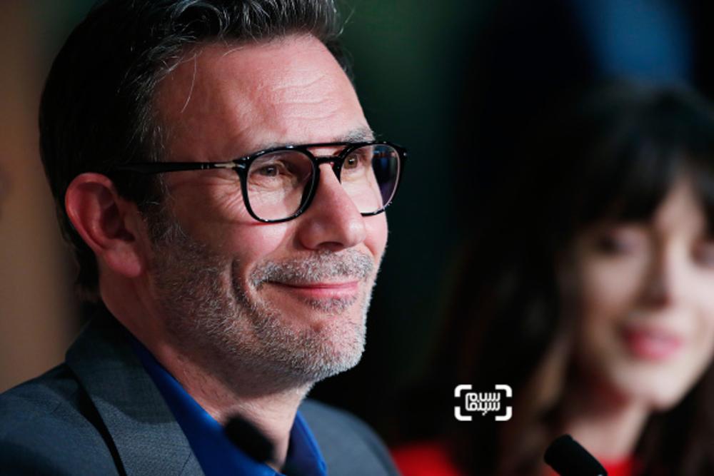 میشل آزاناویسوس در نشست خبری فیلم «نیرومند»(Redoubtable) در جشنواره کن2017