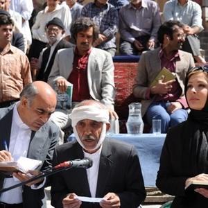 نیوشا ضیغمی در فیلم ایران برگر