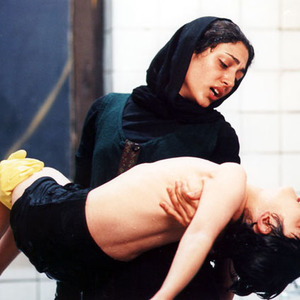 گلشیفته فراهانی و علی شادمان در فیلم سینمایی «میم مثل مادر»