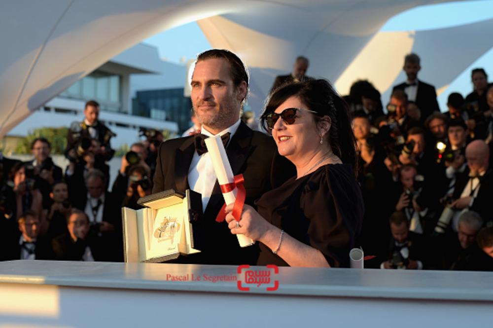 واکین فینیکس برنده جایزه بهترین بازیگر مرد و لین رمزی برنده جایزه بهترین فیلمنامه در اختتامیه جشنواره کن 2017