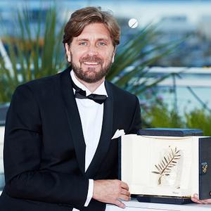 روبن اوستلوند برنده جایزه نخل طلا برای فیلم «مربع» در جشنواره فیلم کن 2017