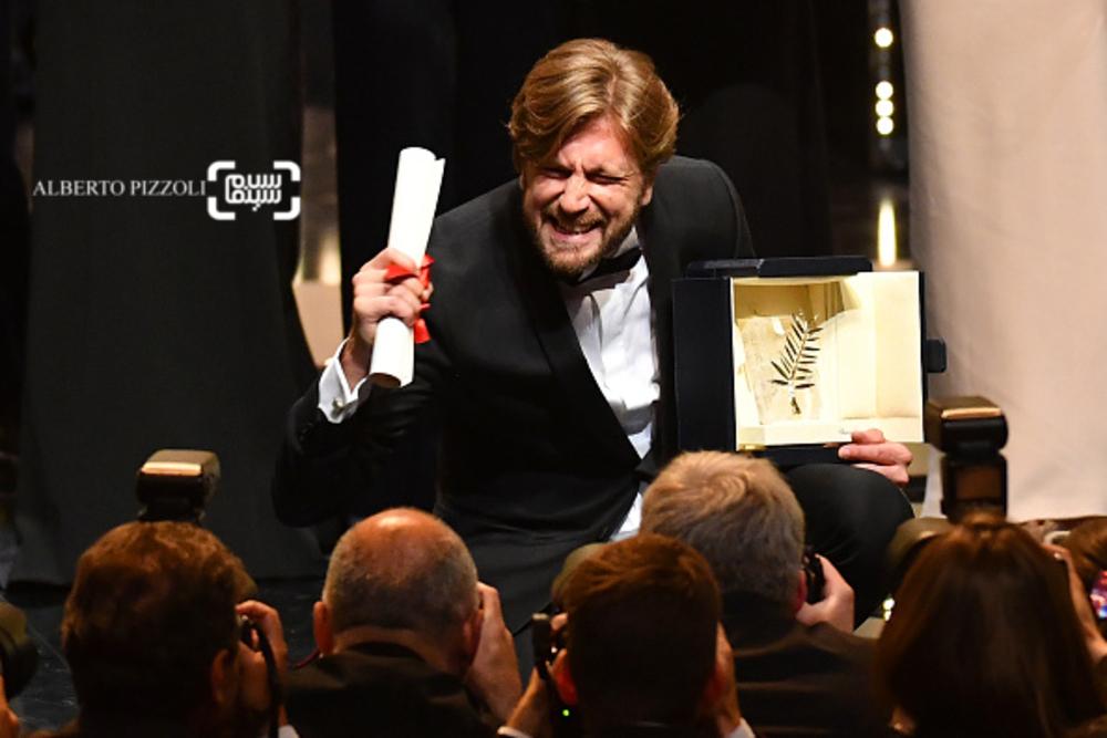 روبن اوستلوند برنده جایزه نخل طلا برای فیلم «مربع»(The Square) در جشنواره فیلم کن 2017