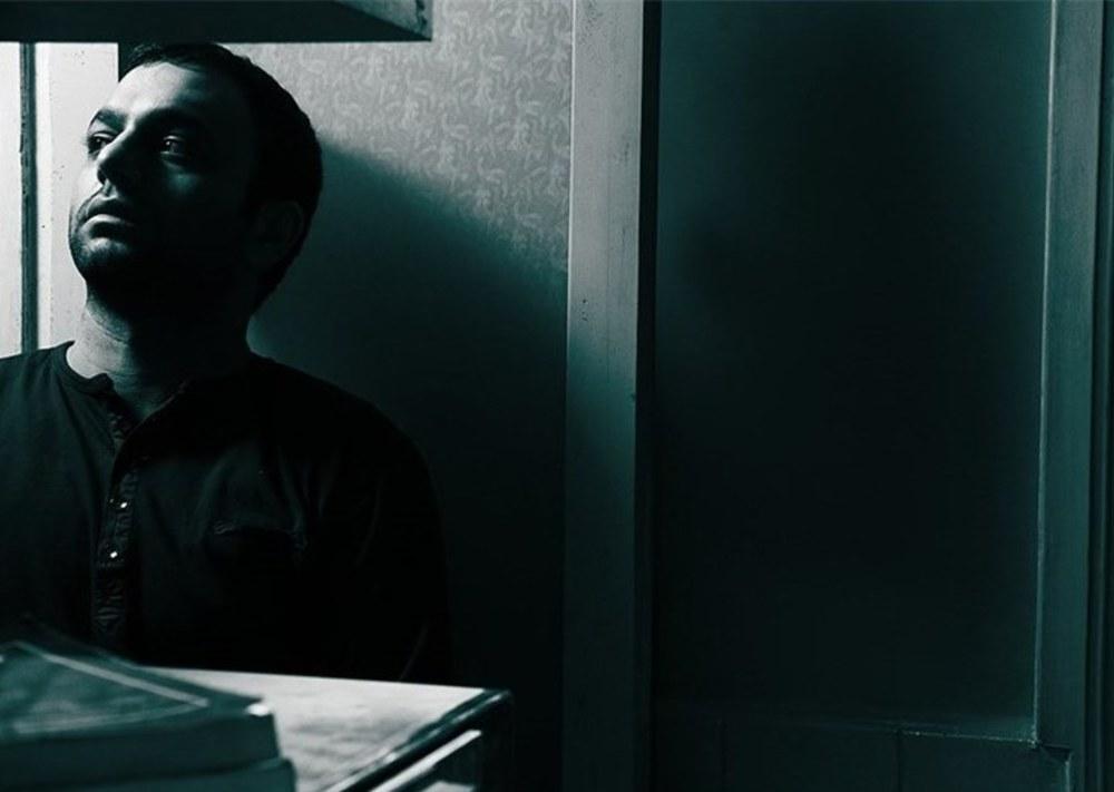 """صابر ابر در """"ارسال یک آگهی تسلیت برای روزنامه"""""""