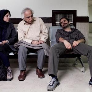 شمس لنگرودی، پوریا رحیمی سام و مریم مقدم در فیلم احتمال باران اسیدی