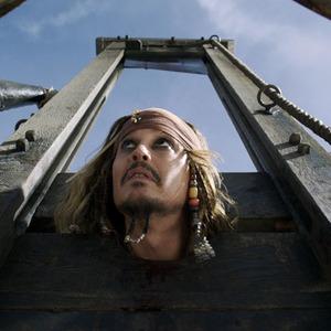 جانی دپ در فیلم «دزدان دریایی کارائیب 5: مرده ها قصه نمی گویند»