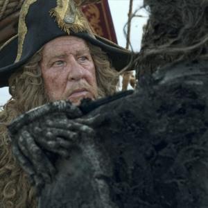 جفری راشر در فیلم «دزدان دریایی کارائیب 5: مرده ها قصه نمی گویند»