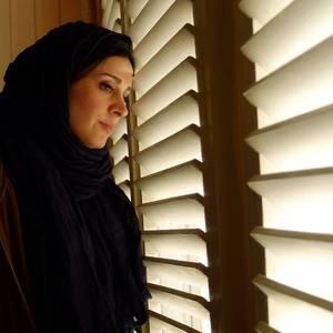 مریم مقدم در نمایی از فیلم احتمال باران اسیدی