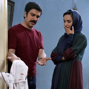 میترا حجار و مهدی پاکدل در فیلم «نرگس مست»