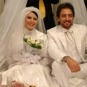 بهرام رادان و لیلا حاتمی در فیلم «بی پولی»