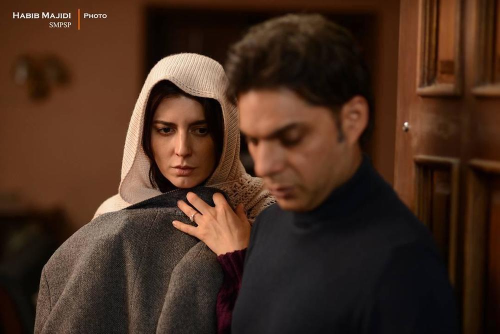 پیمان معادی و لیلا حاتمی در فیلم «بمب یک عاشقانه»