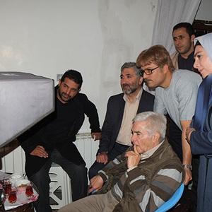 بازدید محمد احسانی از پشت صحنه فیلم پدر آن دیگری