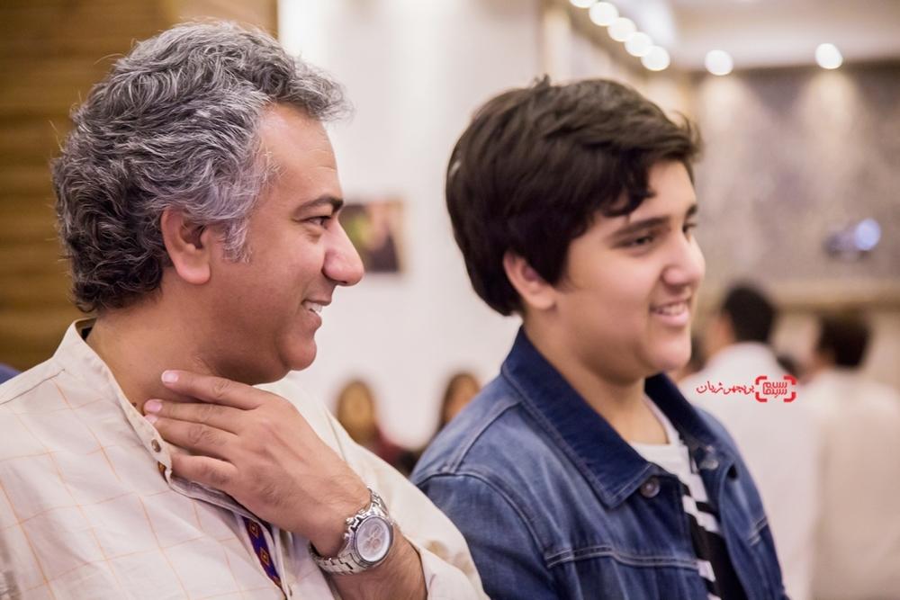 محمدرضا هدایتی و پسرش در اکران خصوصی فیلم «مالیخولیا»