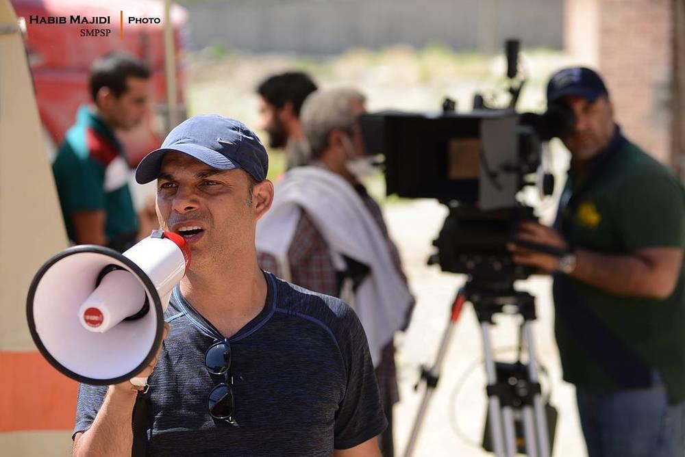 پیمان معادی در پشت صحنه فیلم «بمب یک عاشقانه»