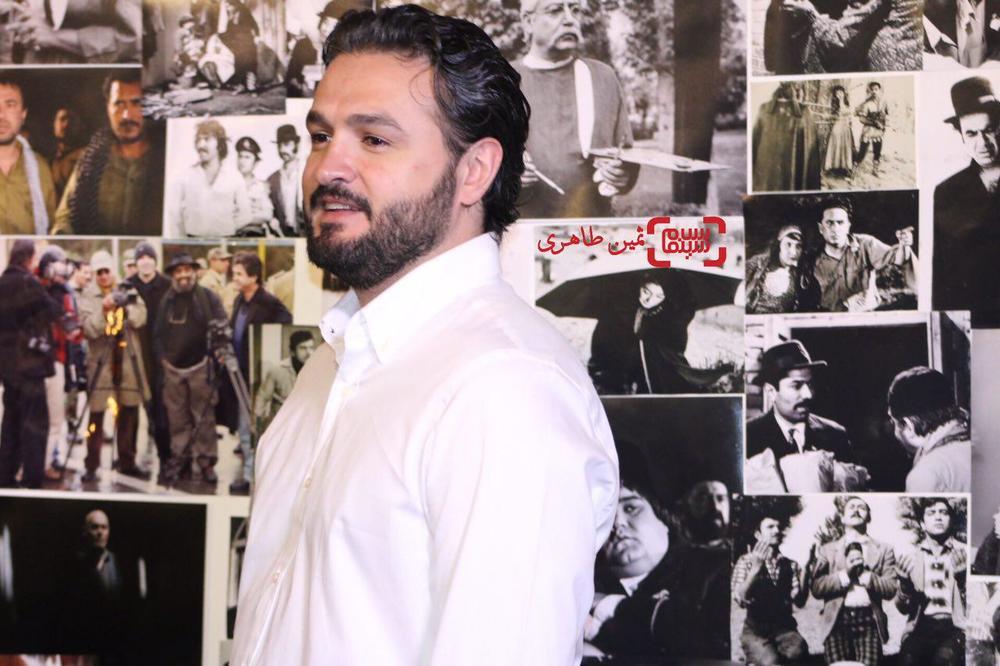 سحاب زری باف برنده جایزه سومین جشن عکاسان سینمای ایران برای فیلم «ایستاده در غبار»
