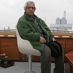 عزت الله انتظامی در فیلم سینمایی «زادبوم»