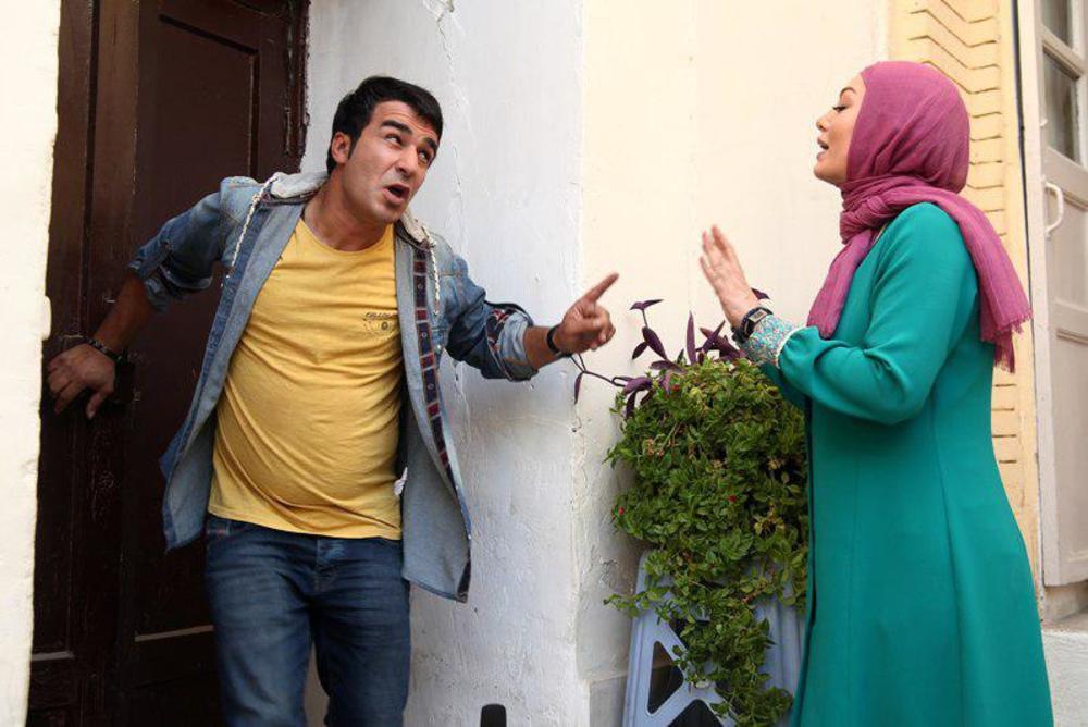 یوسف تیموری و سحر قریشی در فیلم «پا تو کفش من نکن»